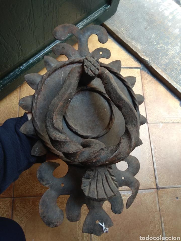 Antigüedades: Antiguo Llamador de Puerta - Aldaba de Forja - - Foto 10 - 192377577