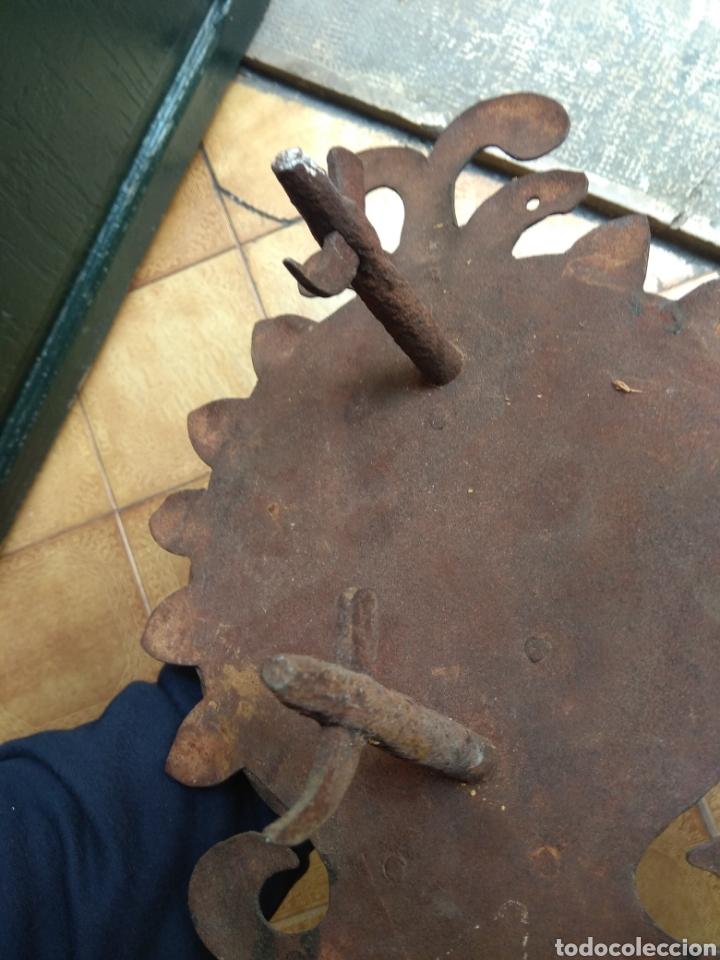 Antigüedades: Antiguo Llamador de Puerta - Aldaba de Forja - - Foto 13 - 192377577