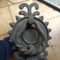 Antigüedades: ANTIGUO LLAMADOR DE PUERTA - ALDABA DE FORJA -. Lote 192377577