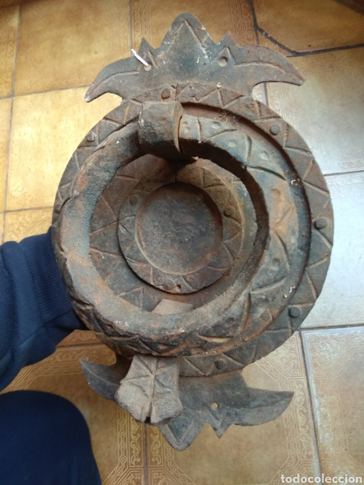 Antigüedades: Antiguo Llamador de Puerta - Aldaba de Forja - Zoomorfa - - Foto 4 - 192378186
