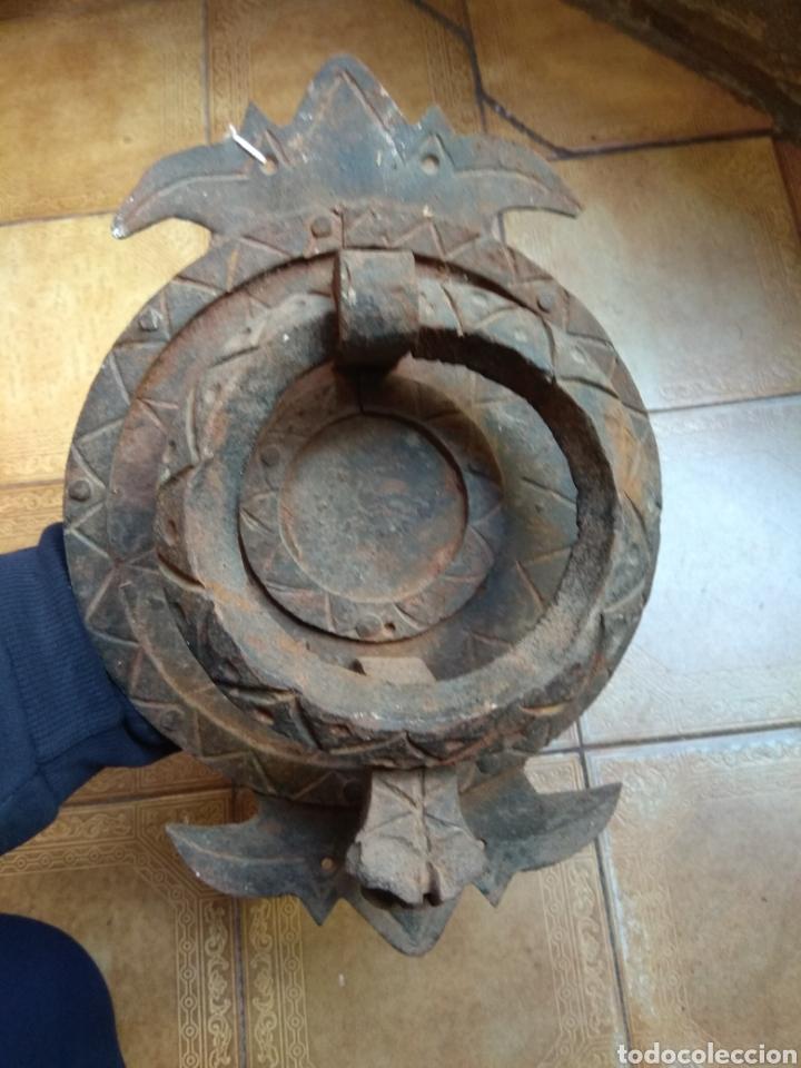 ANTIGUO LLAMADOR DE PUERTA - ALDABA DE FORJA - ZOOMORFA - (Antigüedades - Técnicas - Cerrajería y Forja - Aldabas Antiguas)