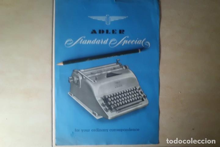 Antigüedades: PRECIOSO CARTEL DE PUBLICIDAD MAQUINA ESCRIBIR ADLER, AÑOS 50 - Foto 2 - 192386327