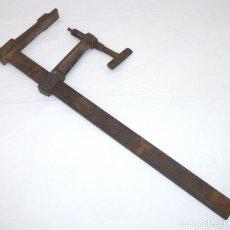 Antiquités: SARGENTO - GATO - MORDAZA DE CARPINTERO.ACESA - FORJADO.60 CM.. Lote 192494397
