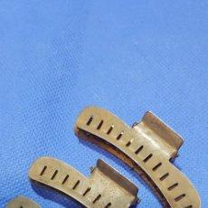Antigüedades: 301-LOTE 6 PINZAS PELUQUERÍA PARA HACER ONDAS AL AGUA. AÑOS 40. Lote 192504921