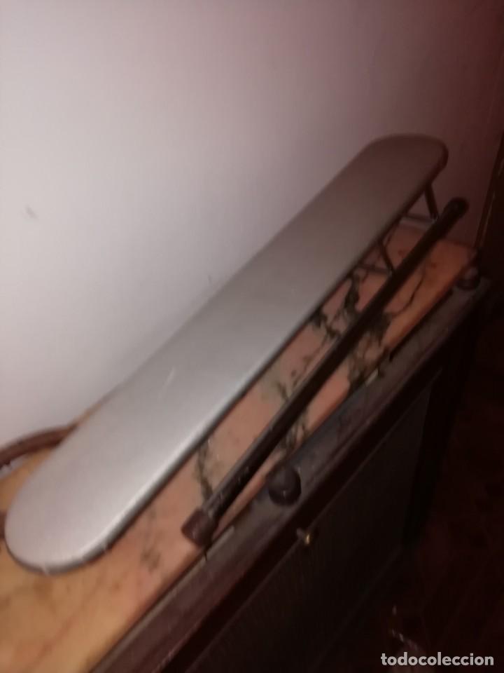 Antigüedades: tabla de planchar pequeña - Foto 2 - 192589616