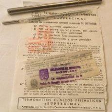 Antiquités: ANTIGUO TERMOMETRO MERCURIO CLINICO PRISMATICO SUPERCIMA CIMA FUNDA METALICA Y PROSPECTO 1948. Lote 192627241