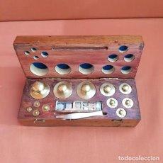 Antigüedades: EXCEPCIONAL JUEGO COMPLETO ANTIGUO DE PESAS. Lote 192713546