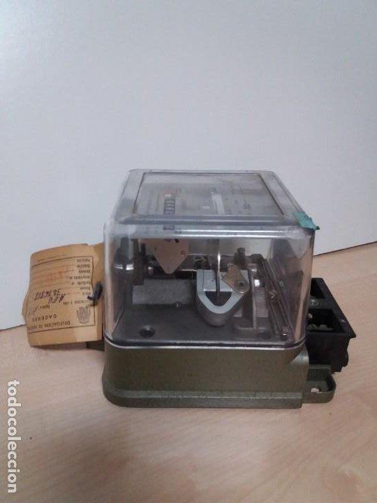 Antigüedades: ANTIGUO CONTADOR ELECTRICO AEG VINTAGE AÑOS 70 MUY DECORATIVO - Foto 6 - 192781273