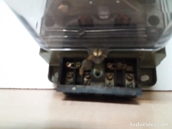 Antigüedades: ANTIGUO CONTADOR ELECTRICO AEG VINTAGE AÑOS 70 MUY DECORATIVO - Foto 9 - 192781273