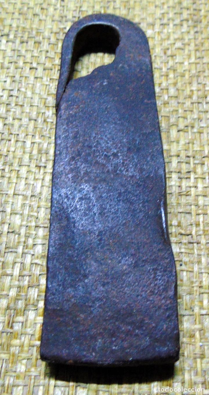 Antigüedades: medida de peso castellana, ponderal, forja 407 gramos, marcas - Foto 2 - 192969375