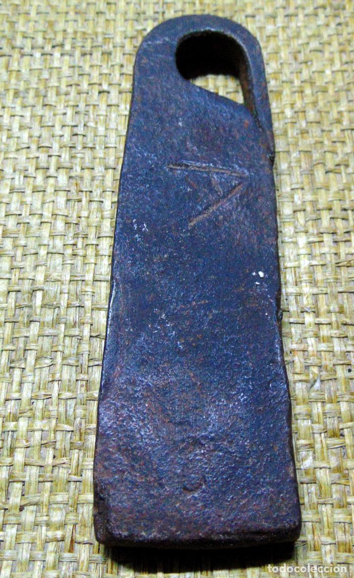 MEDIDA DE PESO CASTELLANA, PONDERAL, FORJA 407 GRAMOS, MARCAS (Antigüedades - Técnicas - Medidas de Peso - Ponderales Antiguos)