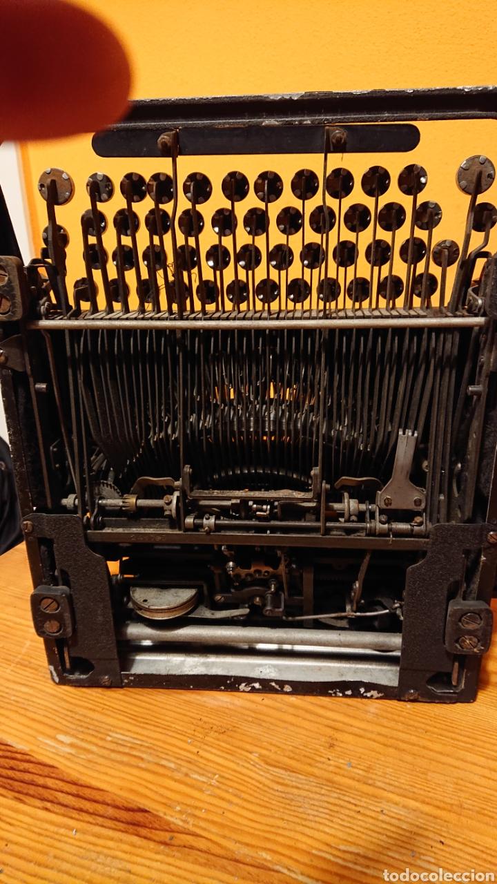 Antigüedades: Máquina de escribir hispano olivetti, años 50 - Foto 6 - 193015606