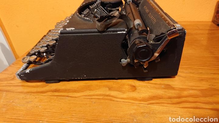 Antigüedades: Máquina de escribir hispano olivetti, años 50 - Foto 9 - 193015606