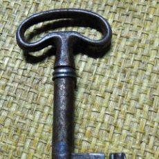 Antigüedades: LLAVE FORJA SIGLO XVIII, ARCA , BARGUEÑO, 9 CM. Lote 193113253