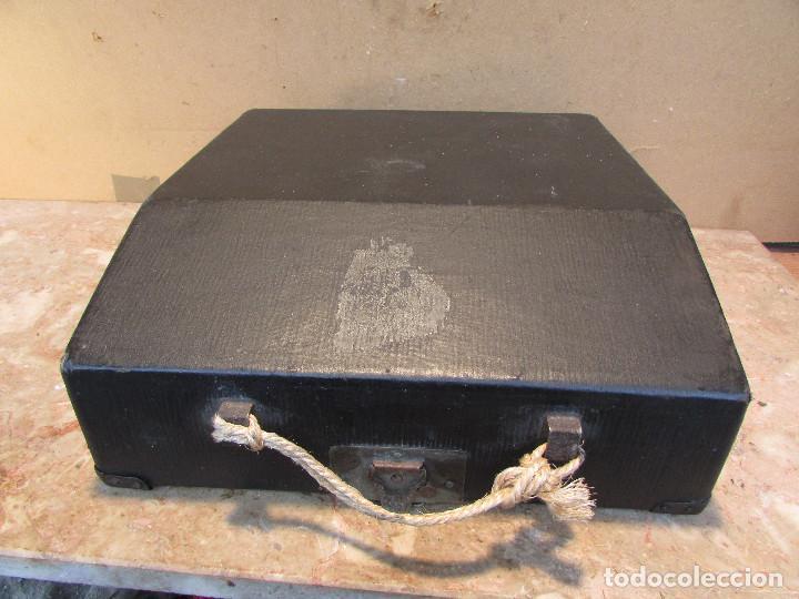 Antigüedades: Máquina de escribir REMINGTON del año 1929. Portátil. Con maleta. Funciona - Foto 4 - 193205047