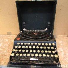 Antigüedades: MÁQUINA DE ESCRIBIR REMINGTON DEL AÑO 1929. PORTÁTIL. CON MALETA. FUNCIONA. Lote 193205047