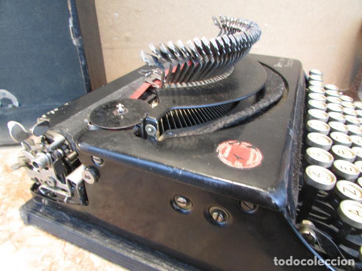 Antigüedades: Máquina de escribir REMINGTON del año 1929. Portátil. Con maleta. Funciona - Foto 10 - 193205047