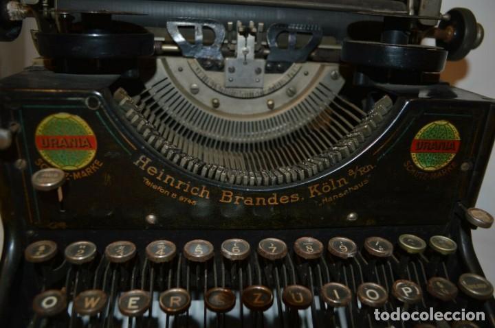 Antigüedades: MAQUINA DE ESCRIBIR URANIA AÑO1921 - Foto 4 - 193233676