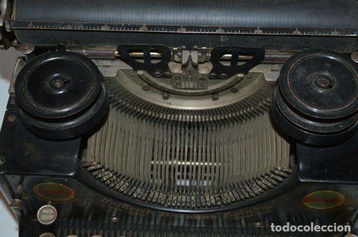 Antigüedades: MAQUINA DE ESCRIBIR URANIA AÑO1921 - Foto 6 - 193233676