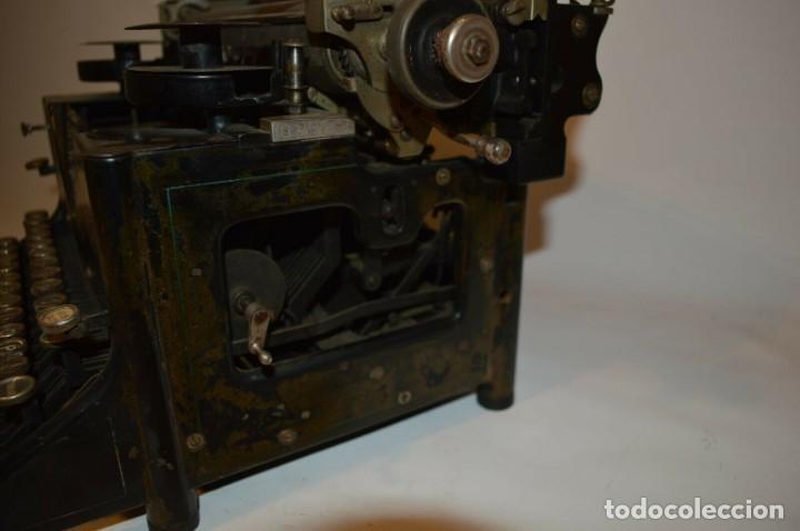 Antigüedades: MAQUINA DE ESCRIBIR URANIA AÑO1921 - Foto 7 - 193233676
