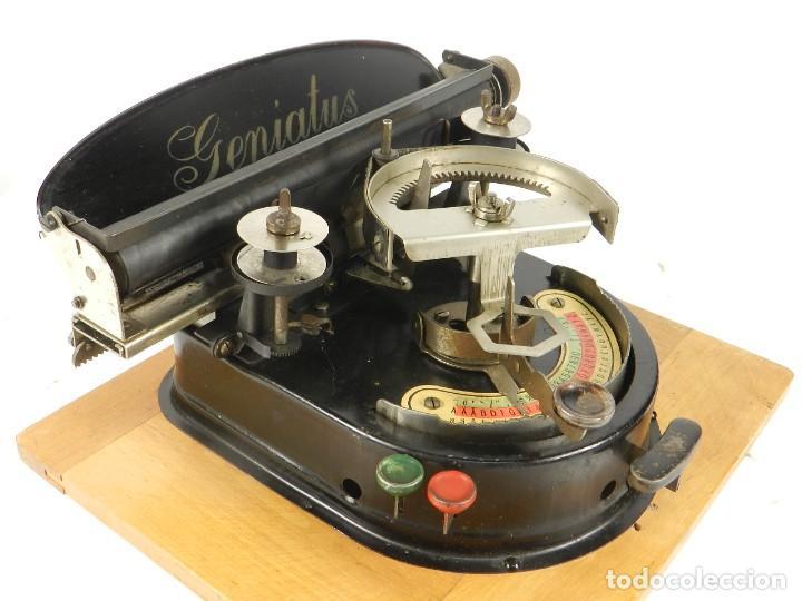 GENIATUS TYPEWRITER YEAR 1928 SCHREIBMASCHINE MACHINE ECRIRE MAQUINA DE ESCRIBIR (Antigüedades - Técnicas - Máquinas de Escribir Antiguas - Otras)