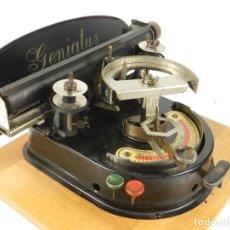 Antigüedades: GENIATUS TYPEWRITER YEAR 1928 SCHREIBMASCHINE MACHINE ECRIRE MAQUINA DE ESCRIBIR. Lote 193262012