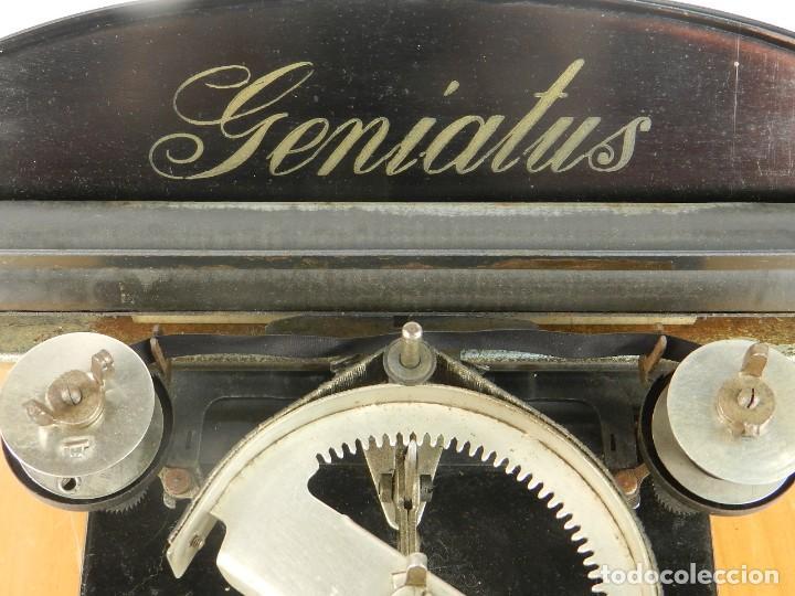Antigüedades: GENIATUS TYPEWRITER YEAR 1928 SCHREIBMASCHINE MACHINE ECRIRE MAQUINA DE ESCRIBIR - Foto 4 - 193262012