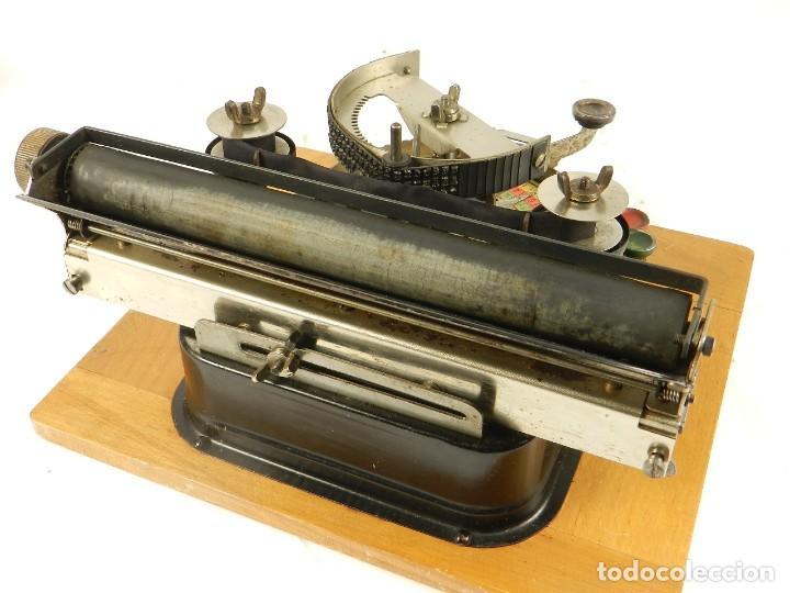 Antigüedades: GENIATUS TYPEWRITER YEAR 1928 SCHREIBMASCHINE MACHINE ECRIRE MAQUINA DE ESCRIBIR - Foto 5 - 193262012