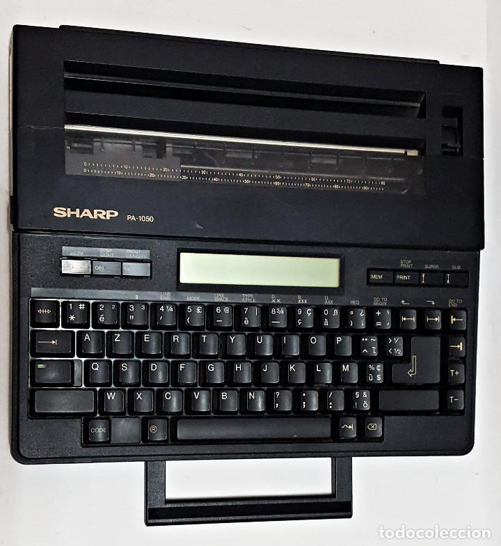 Antigüedades: Maquina de escribir electronica SHARP PA-1050. - Foto 5 - 193267837