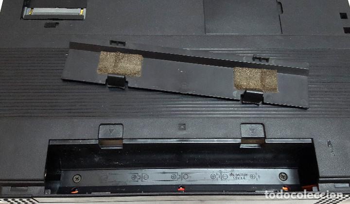 Antigüedades: Maquina de escribir electronica SHARP PA-1050. - Foto 9 - 193267837
