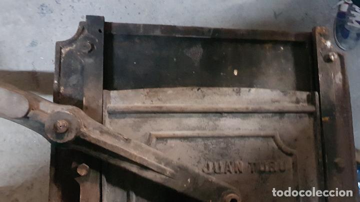 PUERTA GUILLOTINA HORNO PANADERIA TARRASA-HIJO DE JUAN TURU (Antigüedades - Técnicas - Planchas Antiguas - Hierro)
