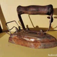 Antigüedades: ANTIGUA PLANCHA . Lote 193277260