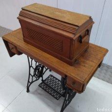 Antigüedades: MAQUINA DE COSER SINGER. Lote 193324611