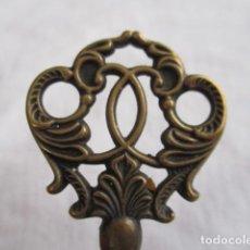 Antigüedades: ANTIGUA LLAVE DE BRONCE, 7 CM.. Lote 193439021