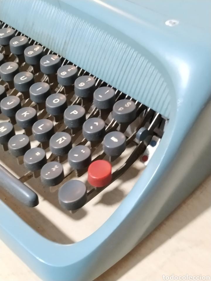 Antigüedades: Máquina de escribir Olivetti Studio 44 con maleta - años 50 - Foto 2 - 193568750