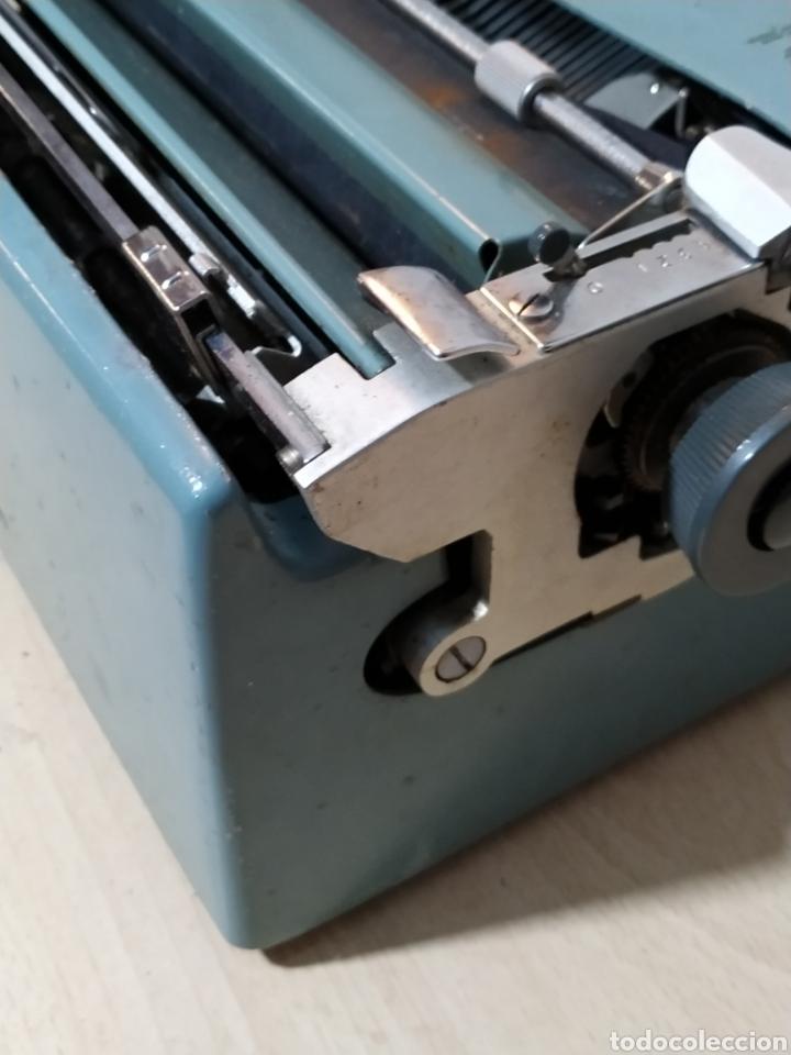 Antigüedades: Máquina de escribir Olivetti Studio 44 con maleta - años 50 - Foto 9 - 193568750