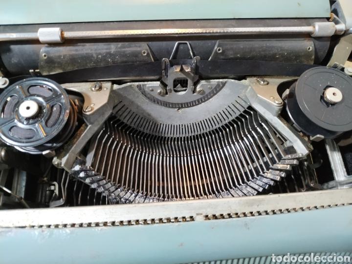 Antigüedades: Máquina de escribir Olivetti Studio 44 con maleta - años 50 - Foto 13 - 193568750