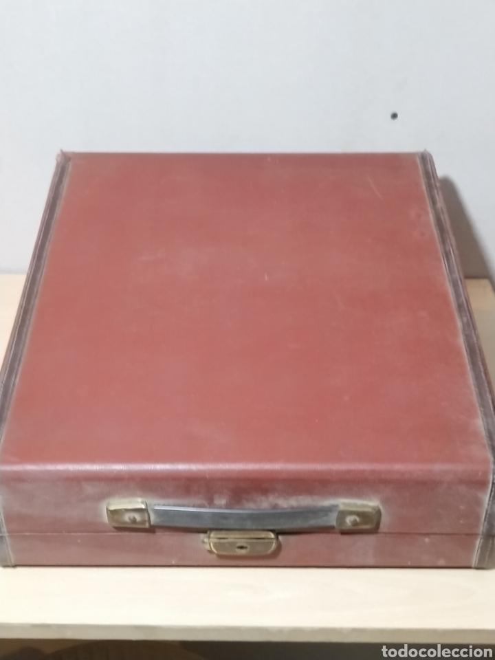 Antigüedades: Máquina de escribir Olivetti Studio 44 con maleta - años 50 - Foto 18 - 193568750