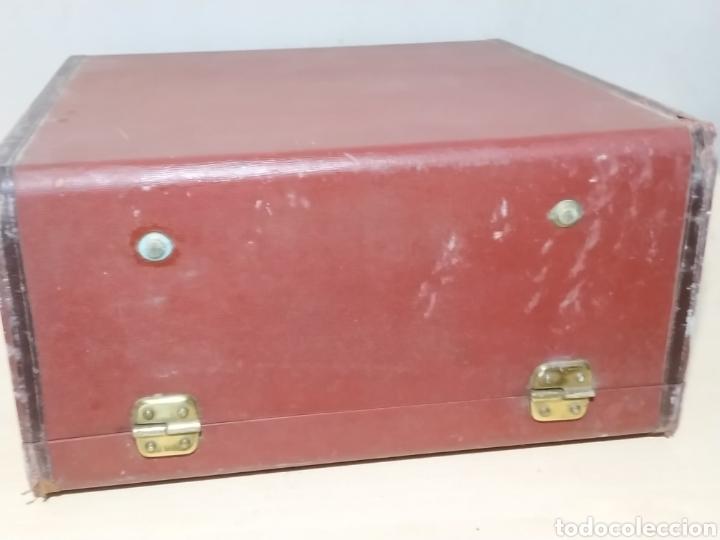 Antigüedades: Máquina de escribir Olivetti Studio 44 con maleta - años 50 - Foto 23 - 193568750