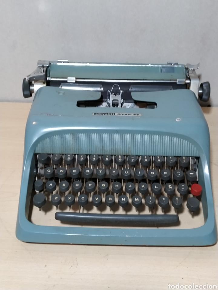 MÁQUINA DE ESCRIBIR OLIVETTI STUDIO 44 CON MALETA - AÑOS 50 (Antigüedades - Técnicas - Máquinas de Escribir Antiguas - Olivetti)