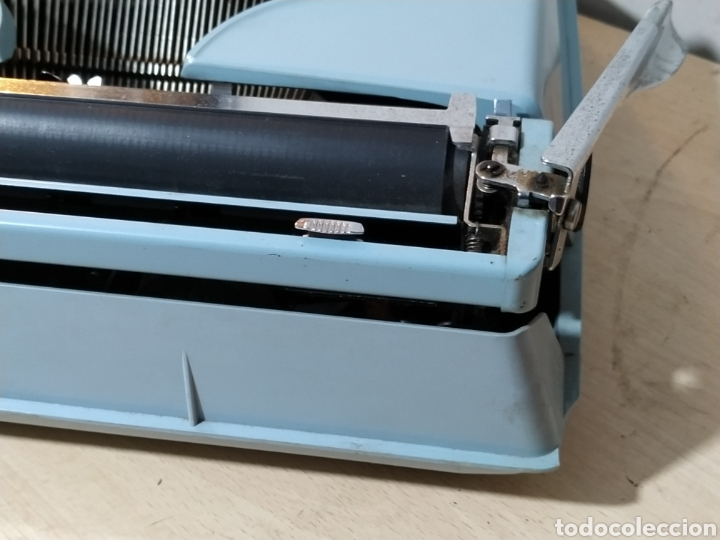 Antigüedades: Máquina de escribir portátil Remington Holiday azul - años 60 - Foto 5 - 193569868