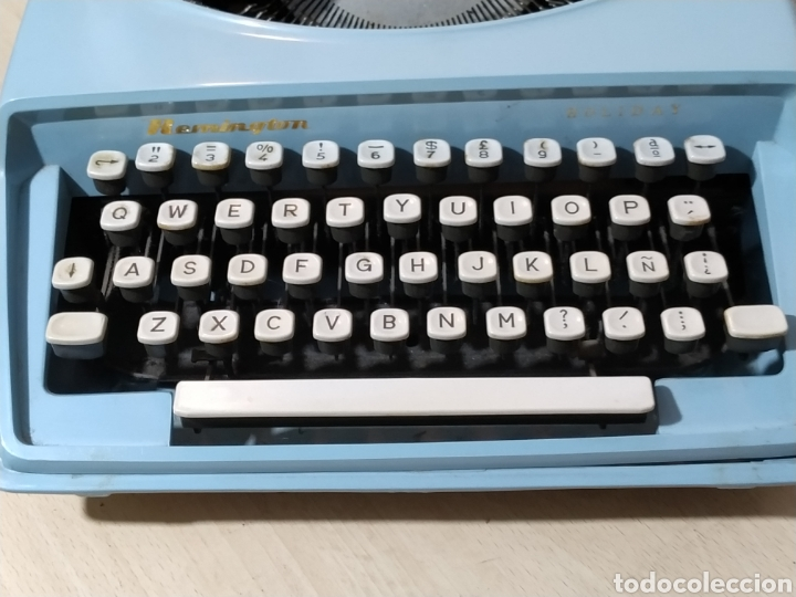 Antigüedades: Máquina de escribir portátil Remington Holiday azul - años 60 - Foto 8 - 193569868