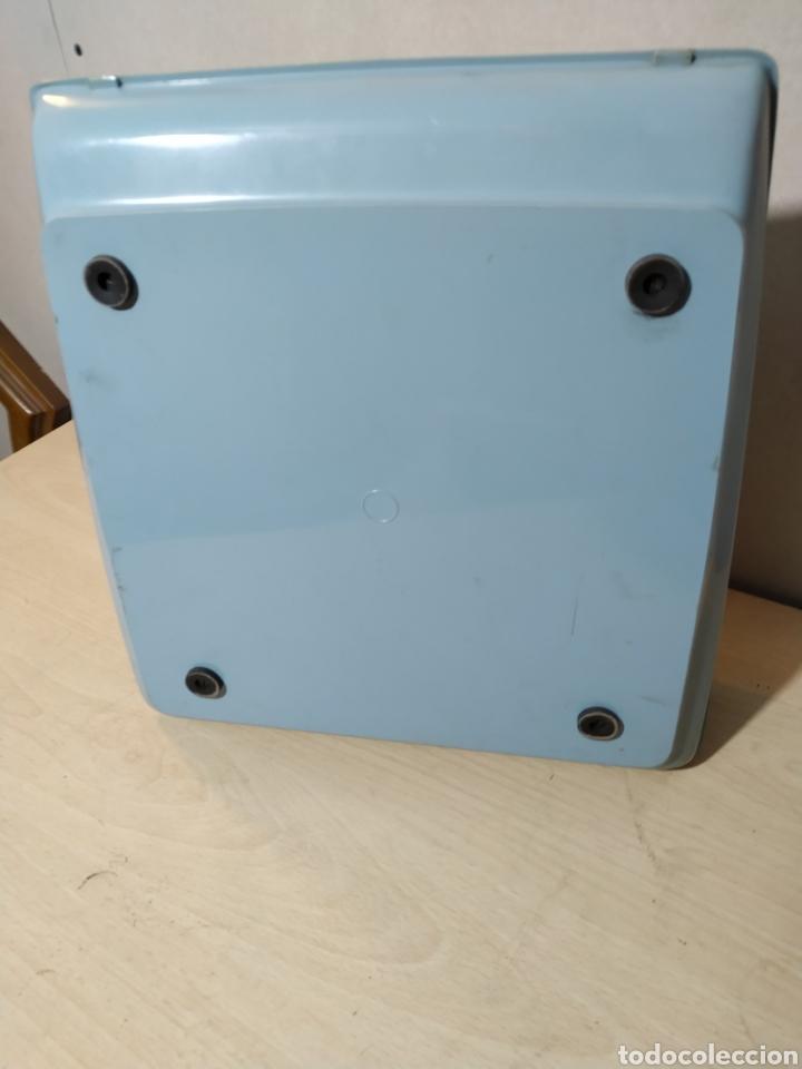 Antigüedades: Máquina de escribir portátil Remington Holiday azul - años 60 - Foto 15 - 193569868