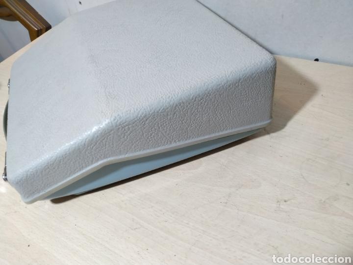 Antigüedades: Máquina de escribir portátil Remington Holiday azul - años 60 - Foto 19 - 193569868