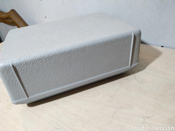 Antigüedades: Máquina de escribir portátil Remington Holiday azul - años 60 - Foto 20 - 193569868