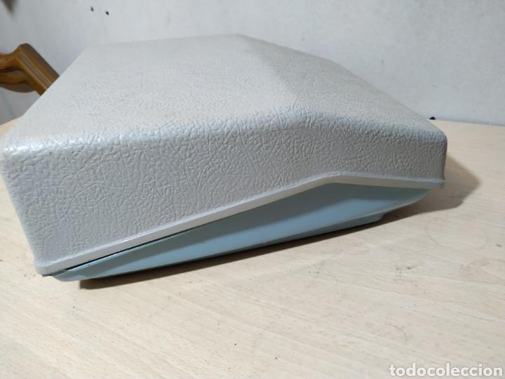 Antigüedades: Máquina de escribir portátil Remington Holiday azul - años 60 - Foto 21 - 193569868