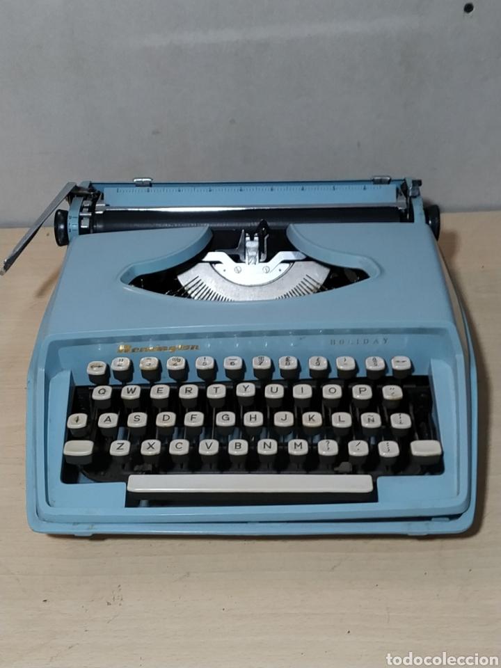 MÁQUINA DE ESCRIBIR PORTÁTIL REMINGTON HOLIDAY AZUL - AÑOS 60 (Antigüedades - Técnicas - Máquinas de Escribir Antiguas - Remington)