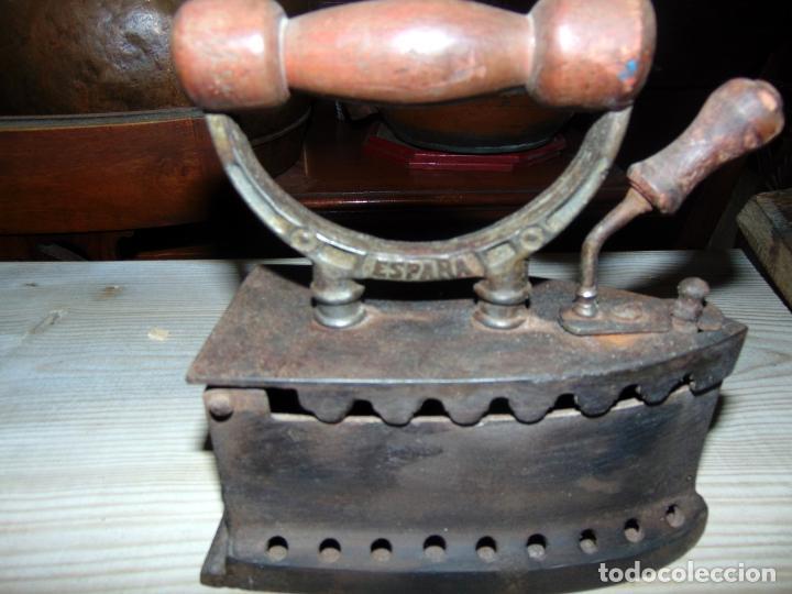 Antigüedades: ANTIGUA PLANCHA CARBON U.C ESPAÑA, PERFECTO ESTADO.W - Foto 2 - 193679123