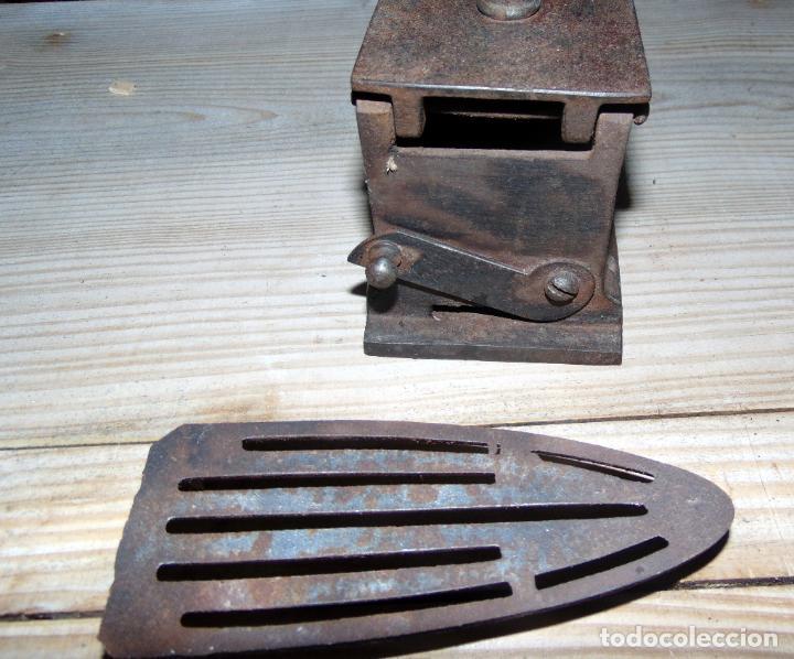 Antigüedades: ANTIGUA PLANCHA CARBON U.C ESPAÑA, PERFECTO ESTADO.W - Foto 3 - 193679123