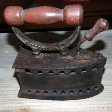 Antigüedades: ANTIGUA PLANCHA CARBON U.C ESPAÑA, PERFECTO ESTADO.W. Lote 193679123